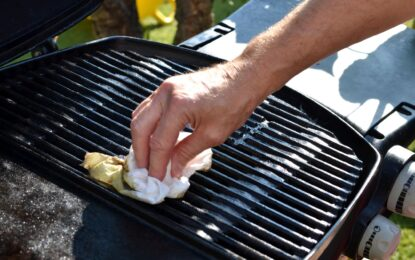 How To Clean A Gas Grill – Insides and Exteriors